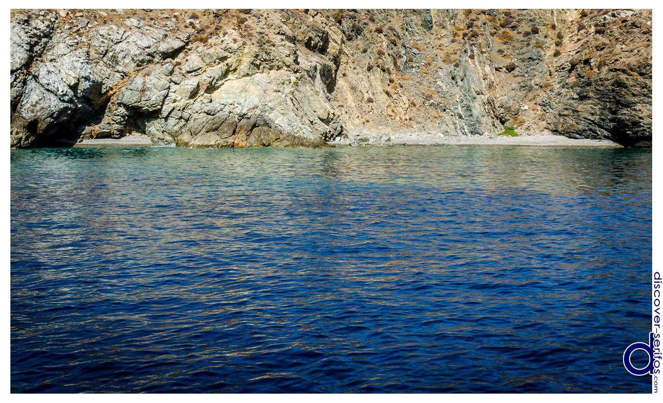 Karamousas Serifos beach