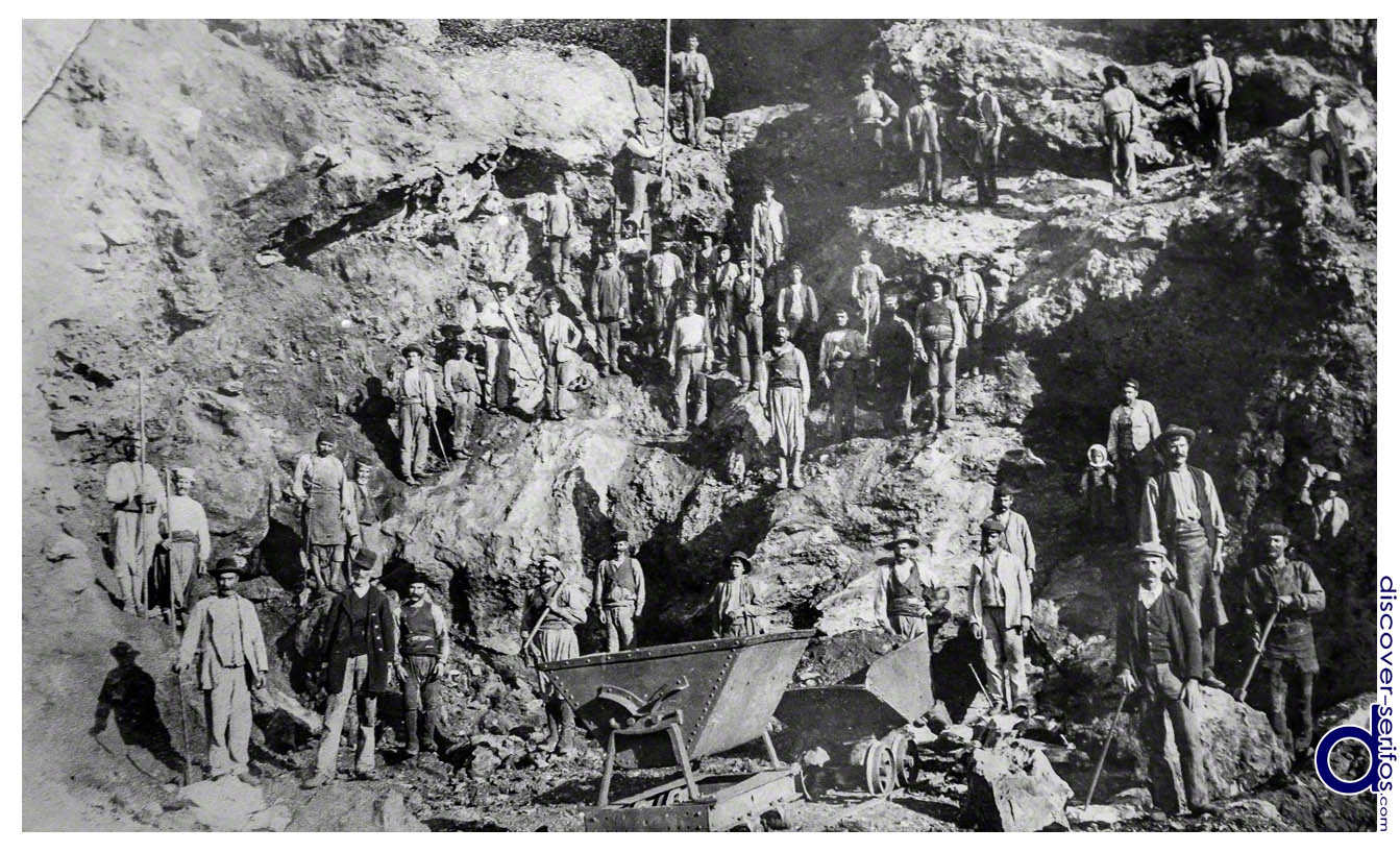 Miners of Serifos - photo from Folklore Museum