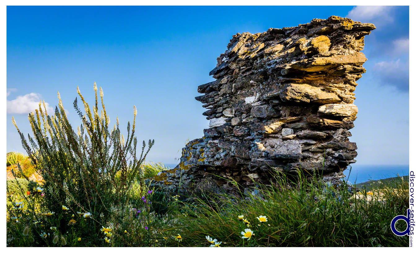 Θόλος - Παλιός υπέργειος τάφος στον Καλλίτσο