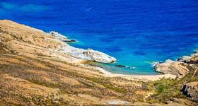 Παραλία Αλευράκια στη Σέριφο