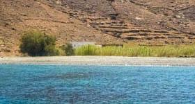 Παραλία Καραβάς στη Σέριφο
